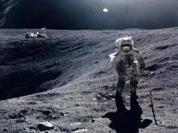 НЛО, Луна, Пришельцы