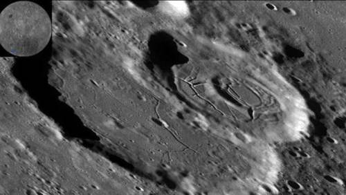 База пришельцев на Луне
