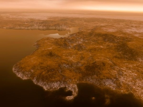 Есть ли на Титане вода