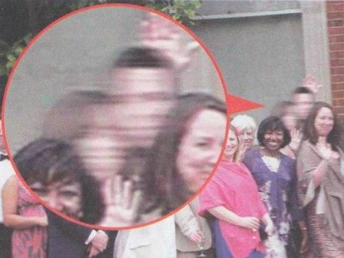 Снимок с таинственными гостями