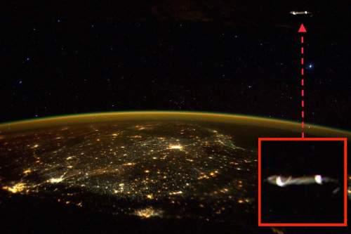 НЛО в космосе