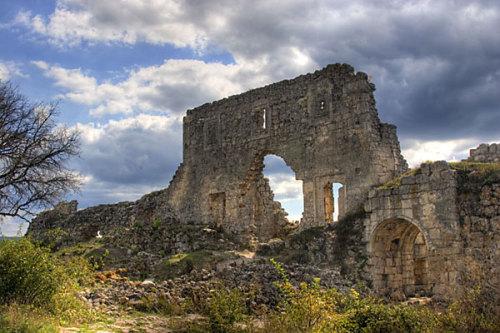 Древняя постройки Мангуп-Кале фото