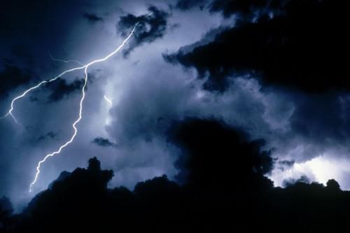 НЛО и молнии
