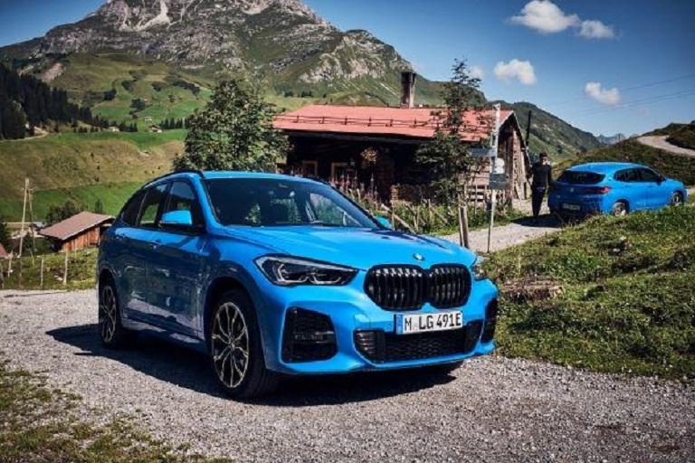 Машина BMW X1